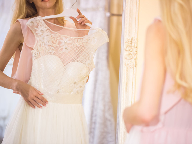 5 Reasons to Do Wedding Dress Hire (Instead of Buying)