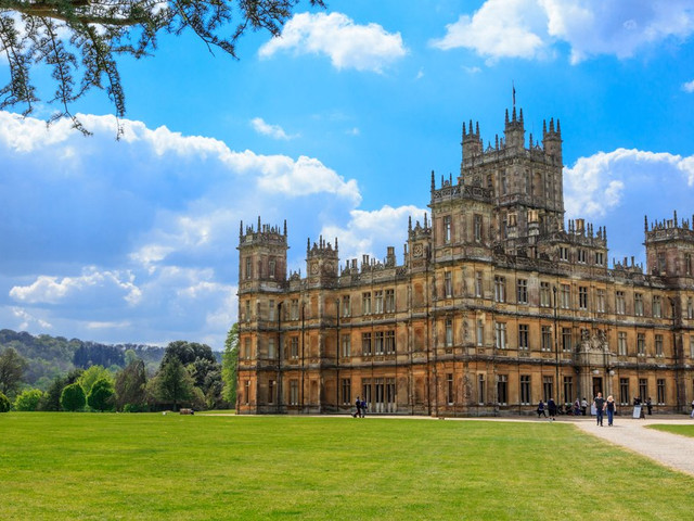 How To Have a Downton Abbey Inspired Wedding Day
