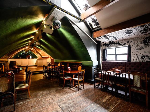 8 Manchester Pub Wedding Venues You'll Love