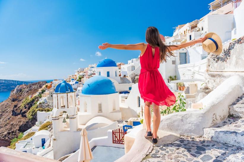 Santorini / Shutterstock