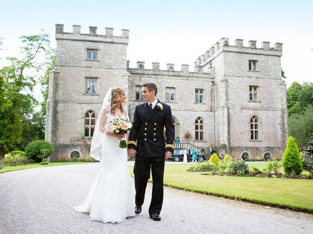 5 Castle Wedding Venues in Gloucestershire Fit for Royalty