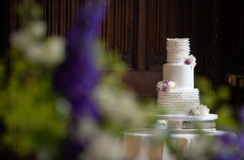 11 Steal-Worthy Ruffle Wedding Cake Designs You'll Love