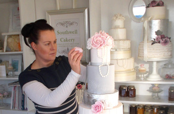 7 Things Your Wedding Cake Maker Wants You to Know