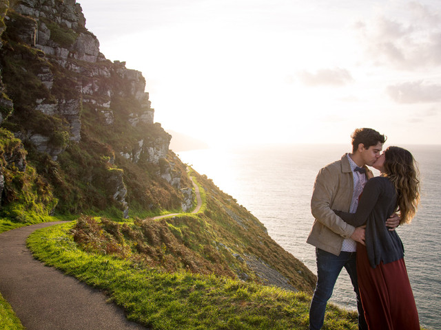 23 Things to Do on Your First Wedding Anniversary