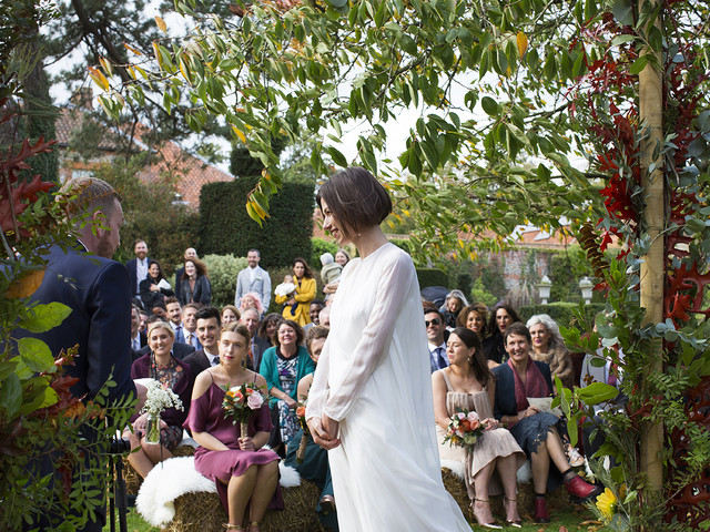 6 Reasons Backyard Weddings Are Awesome