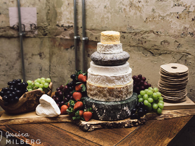 How to Nail Your Cheese Wedding Cake