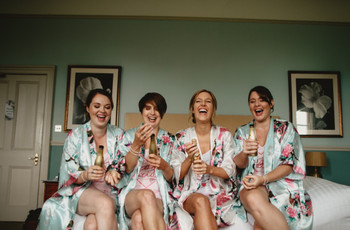 The Best Wedding Morning Playlist to Get Ready With Your Girls To
