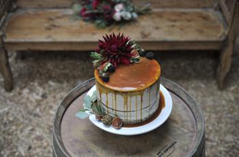 7 Steal-Worthy Drip Wedding Cake Designs You'll Love