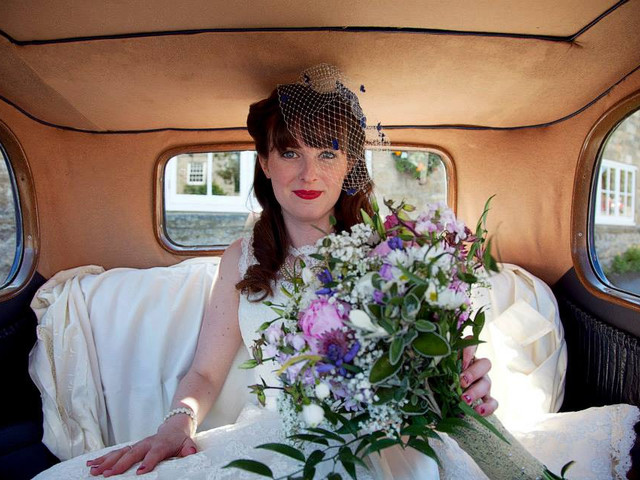 How to Create a Stunning Vintage Bridal Makeup Look