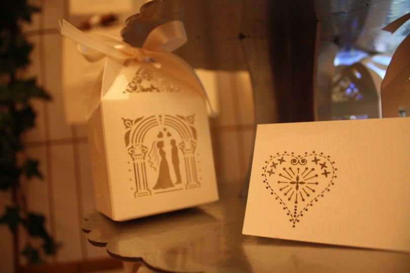 Favour boxes and place setting