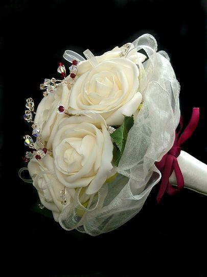 Bridal bouquet. Claret/Ivory