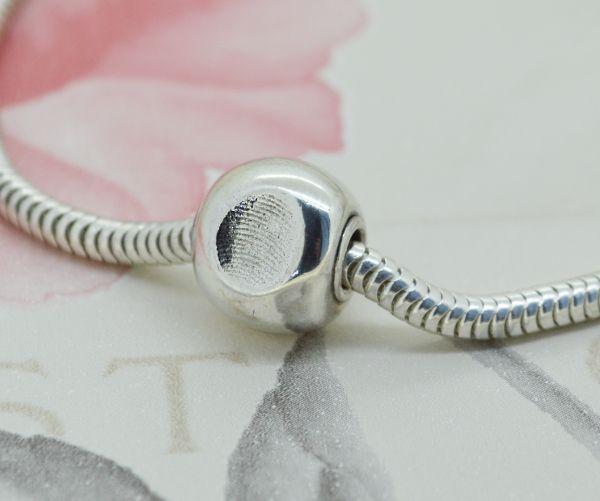 Fingerprint charm bead