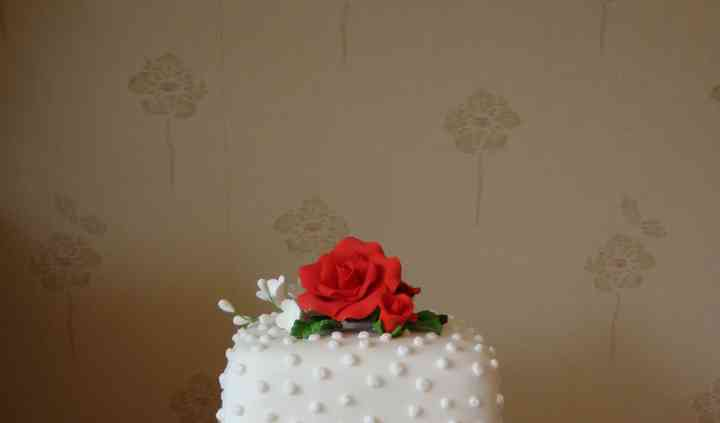 2 tier square rose with dots