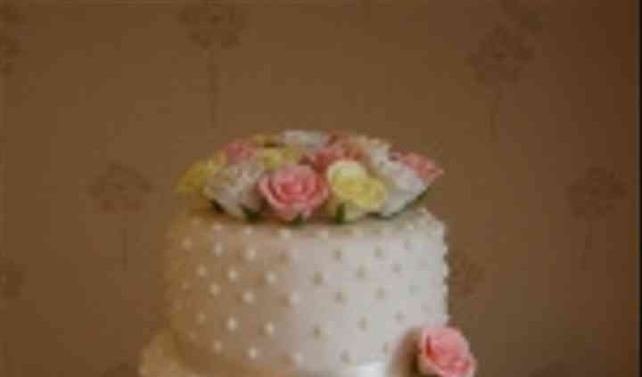 Ivory 3 tier dots & roses