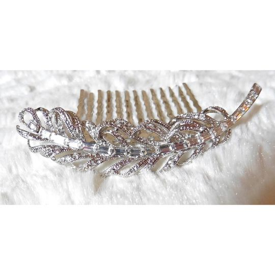 Crystal feather comb