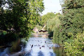 Busbridge Lakes