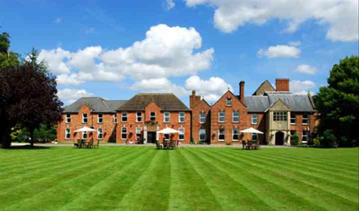 Hatherley Manor grounds