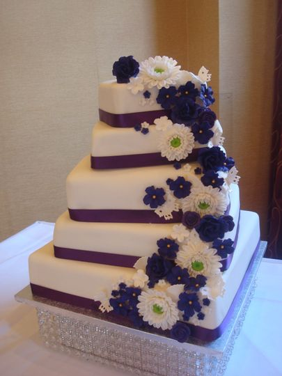 Floral cascade twisted tiers