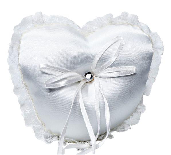 Ivory Heart Lace Ring Cushion