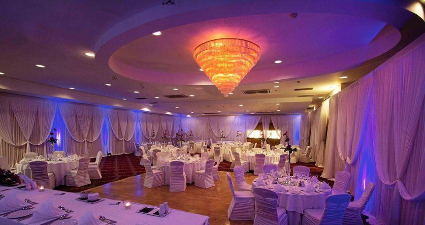 La Mon Hotel & Country Club
