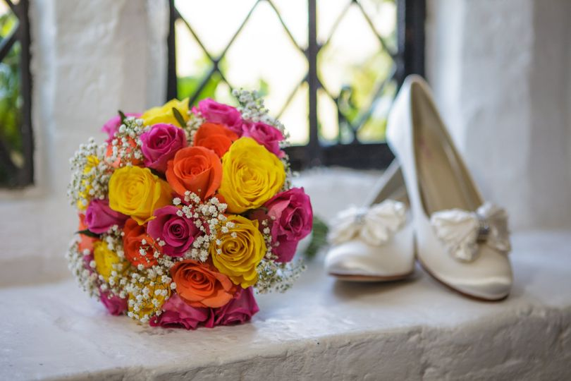 Wedding bouquet & shoes