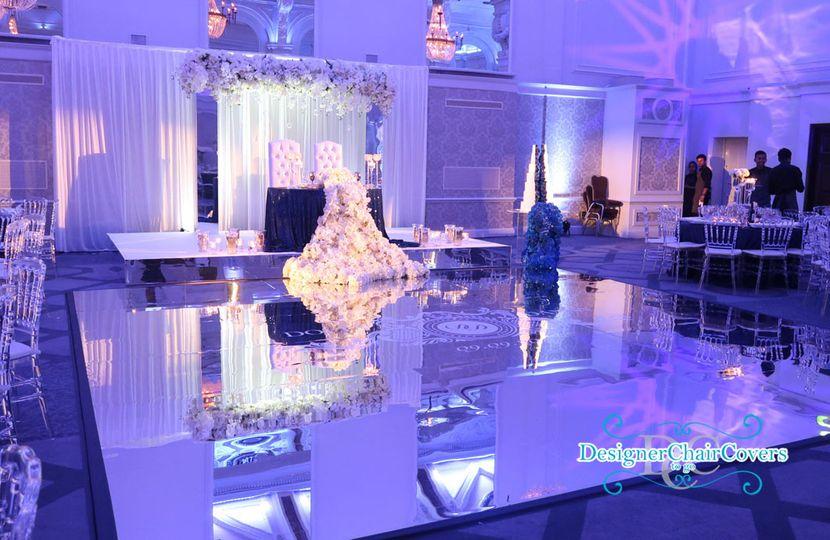 Mirror dancefloor and decor