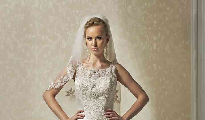 Annais bridal , Sarah.