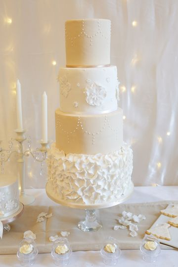 Glitz and Glam Wedding Cake