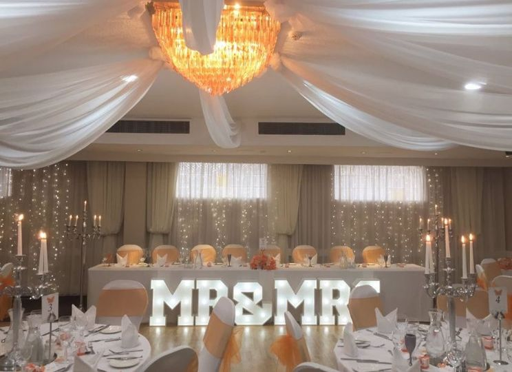 2ft Mr&Mrs Letter Lights