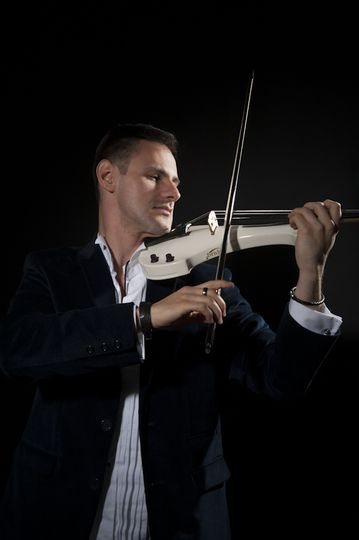 Darius Electric Violinist UK