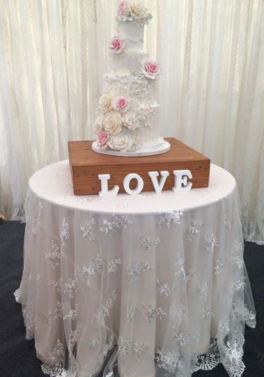Cake table set up-lace linen