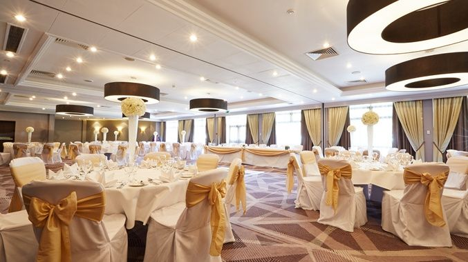 Wedding decoration from doubletree by hilton hotel london ealing wedding decoration doubletree by hilton hotel london ealing junglespirit Images