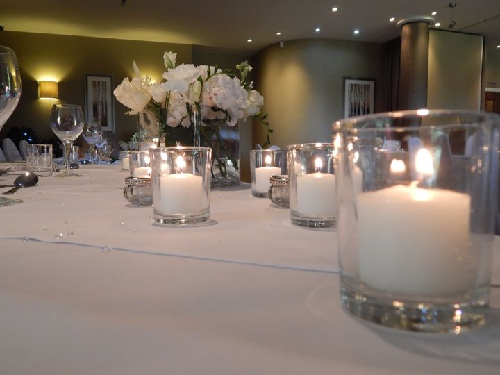 Top table flowers candles