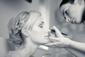 Liv Free - Make Up Artist