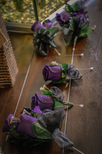 Gothic wedding table decor