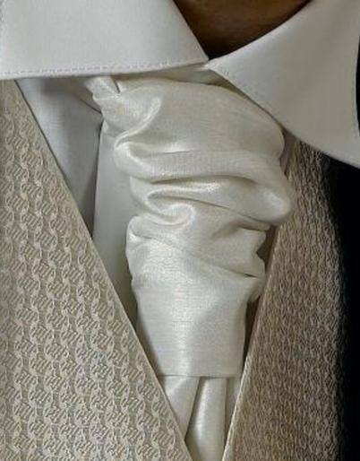 Light Ivory Cravat