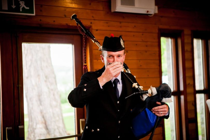 Wedding piper toast