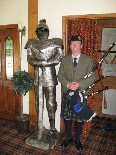 Bagpiper with knight