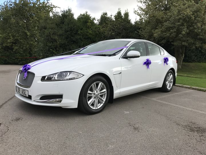 White Jaguar XF Luxury