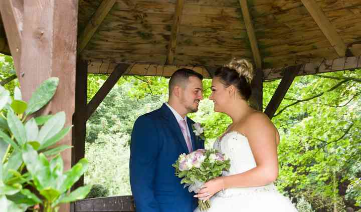 Bespoke Wedding Photography by Angela and Josie