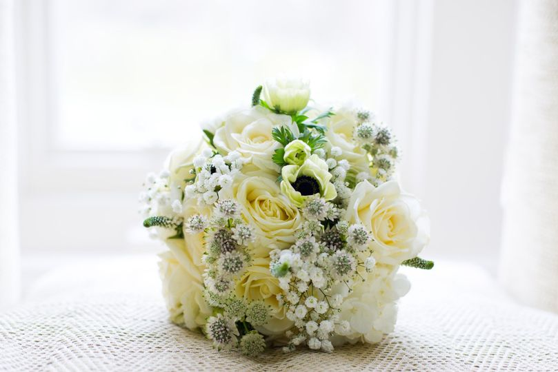 White rose and anemone bouquet
