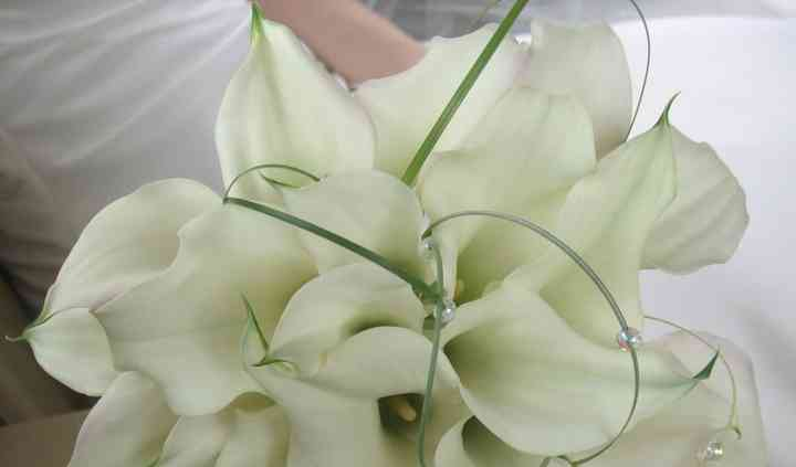 Calla lily and pearl bouquet