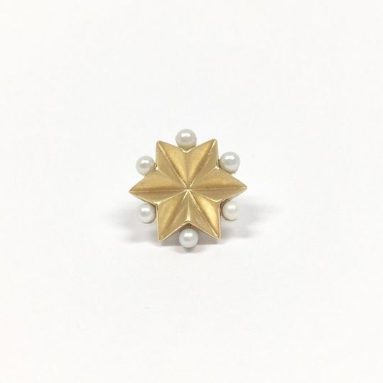 The Occasional Goldsmith stud yellow gold and water pearls
