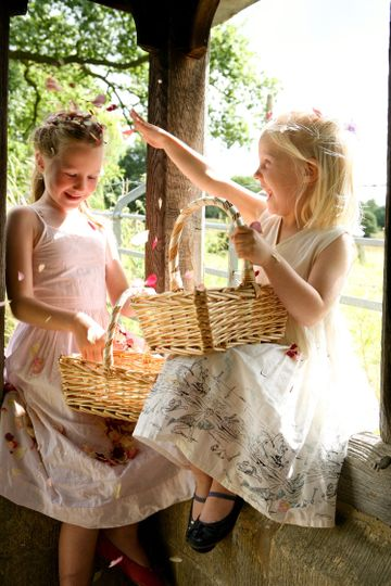 Our baskets are perfect for your bridesmaids!