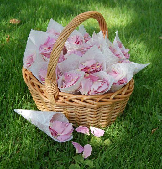 Bridesmaid confetti basket of rose petals