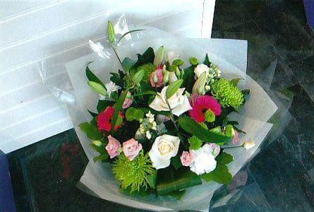 Nua Floral Designer