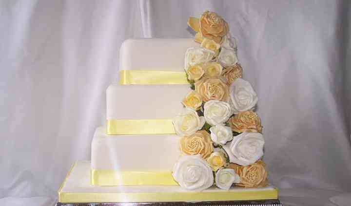 Jasmin wedding cake