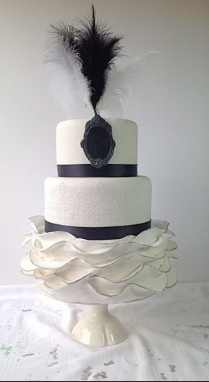 Deco ruffled cake