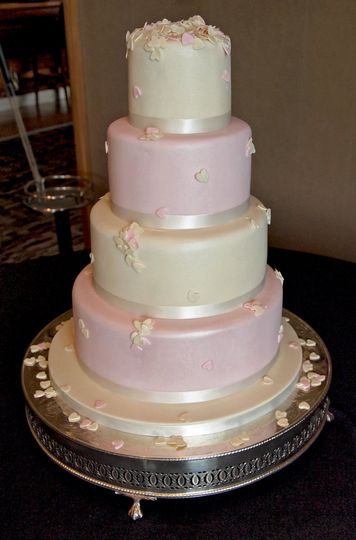 wedding cakes doncaster south yorkshire pearl drop wedding cake from amanda s cakes photos 24216