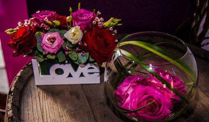 Ooh la la Flowers - Designs by Lucie 1